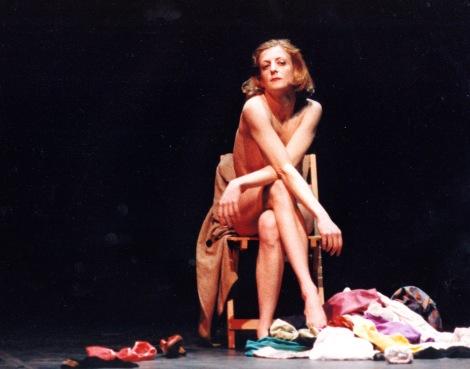 La Ribot.1991.Socorro! Gloria!.Foto Pilar Oembrero