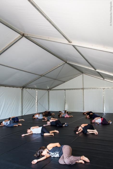 Taller de danza contemporánea impartido por Michelle Man y James Hewison en el Centro De Artes Escénicas de Níjar.