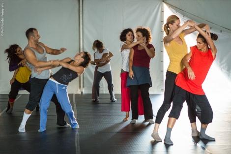 Masterclass de danza contemporánea impartida por Chevi Muraday para Costa Contemporánea en el Centro De Artes Escénicas de Níjar.