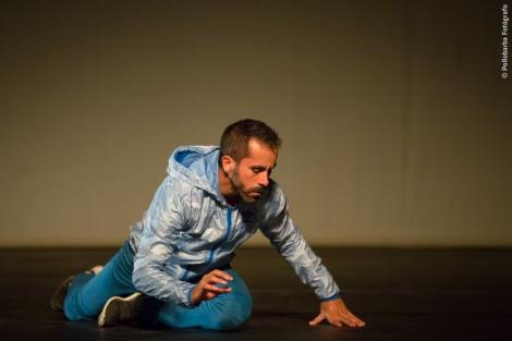 Cía Daniel Abreu bailando Offshore en la 'Noche Espectacular' de Costa Contemporánea en el Centro De Artes Escénicas de Níjar